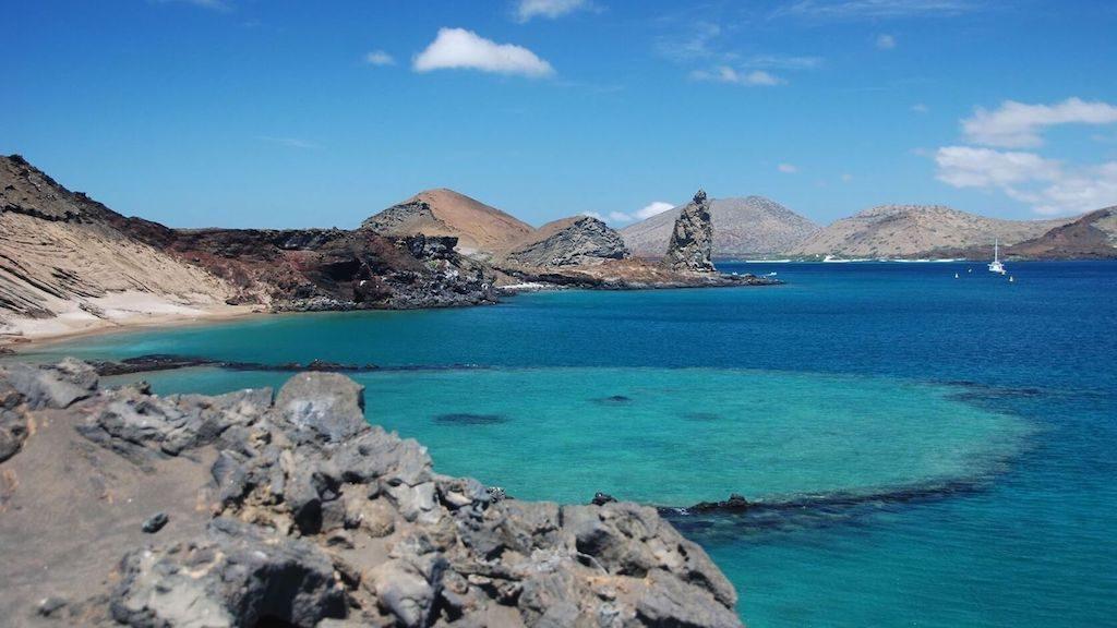 Blauwe zee bij de Galapagos