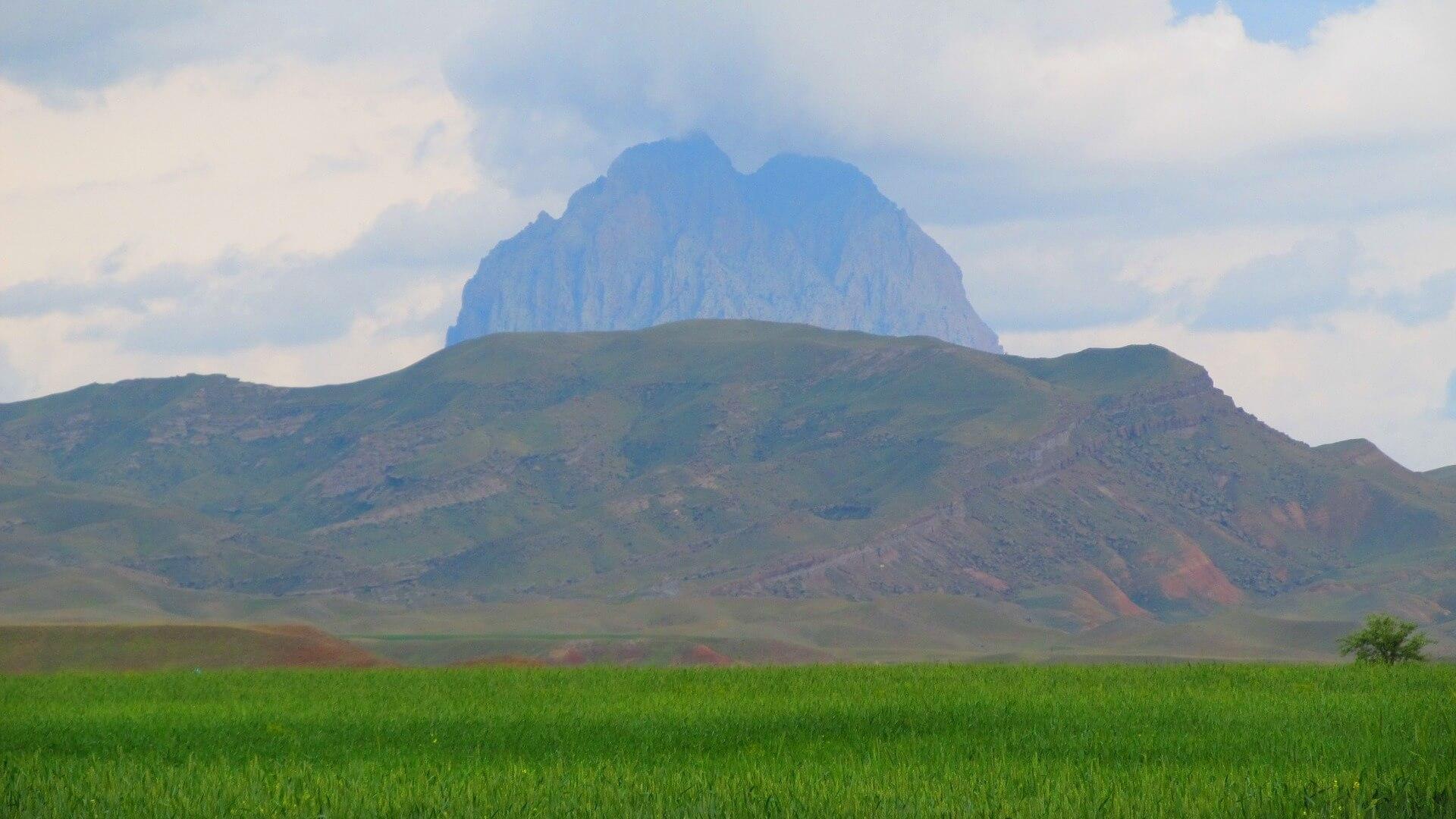 Groen en bergen in Azerbeidzjan