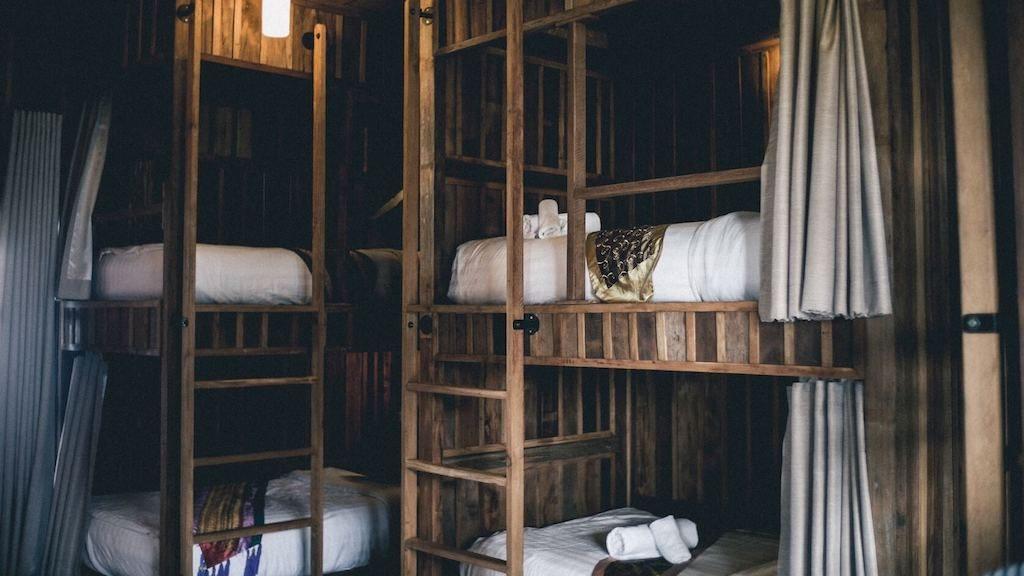 Slaapzaal voor backpacken bespaartips