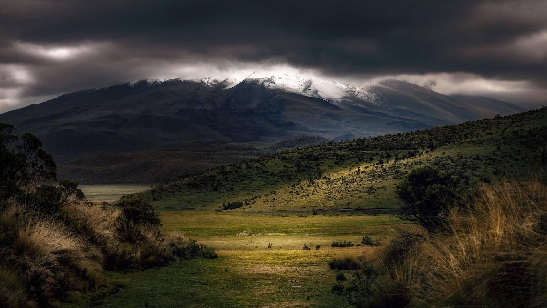 Cotopaxi vulkaan in het Nationale Park vlakbij Quito in Ecuador