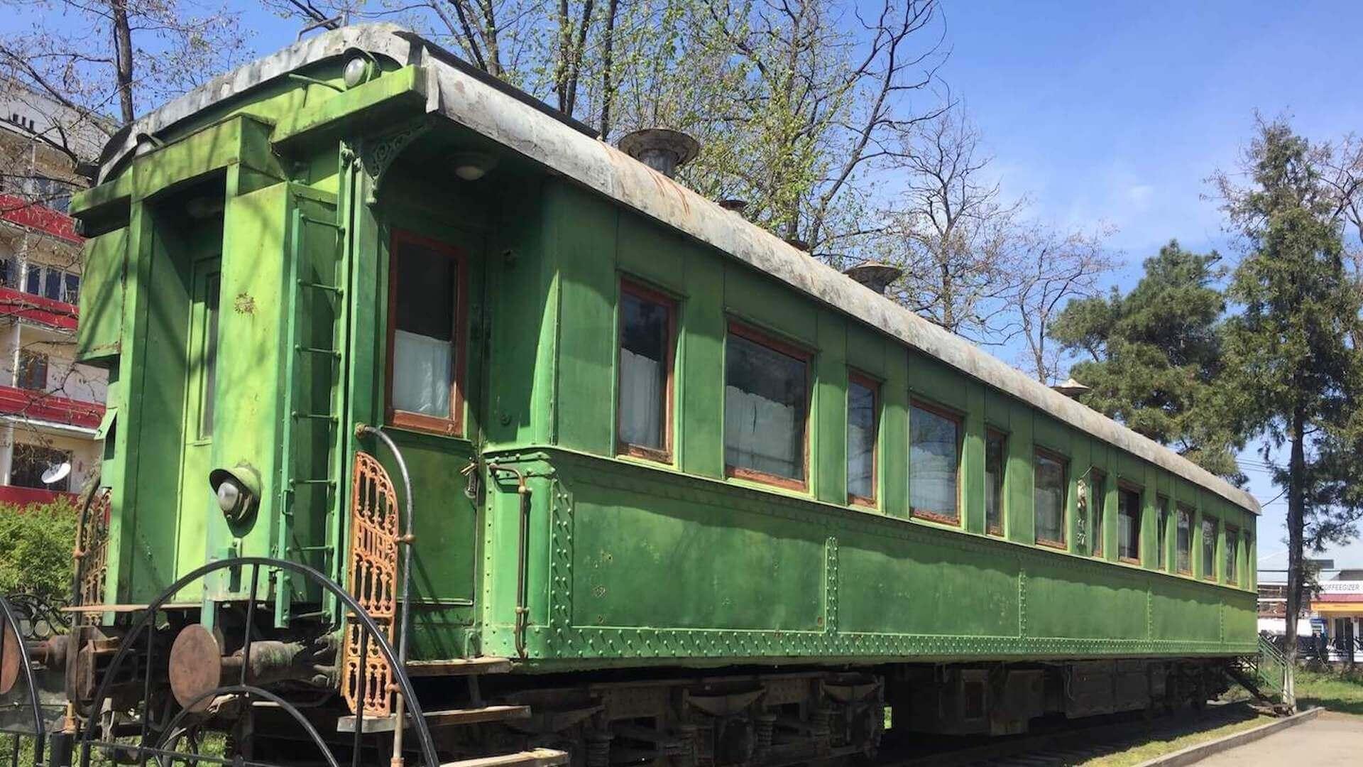 De persoonlijke treinwagon van Jozef Stalin bij het Stalin Museum in Gori