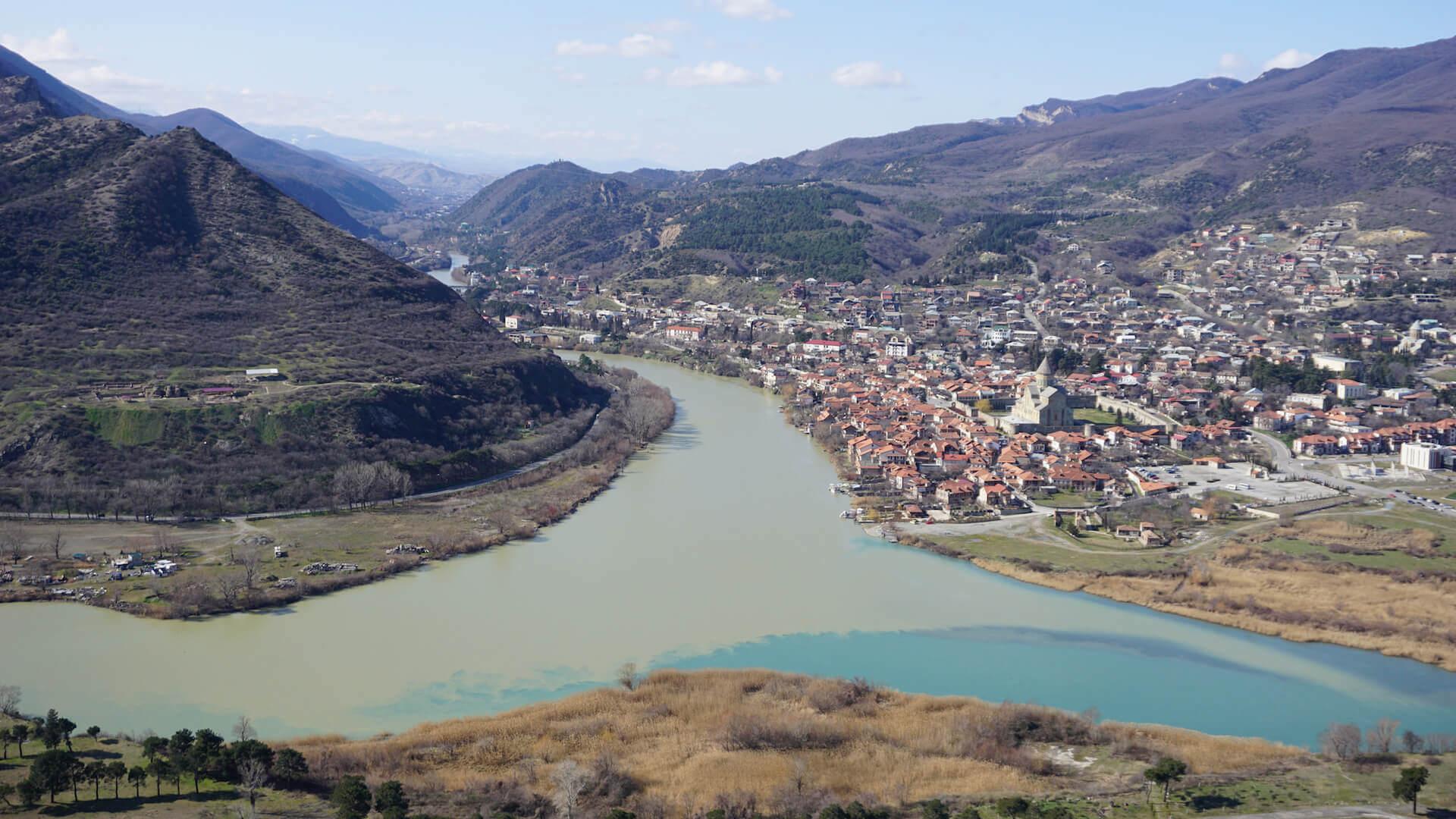 Uitzicht op Mtskheta vanaf het Jvari klooster