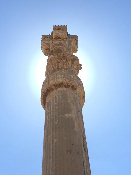 Pilaar in de zon in Persepolis