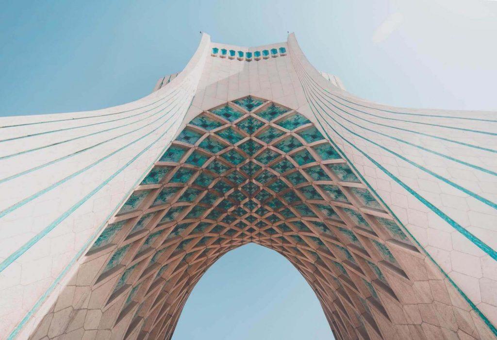 Azadi toren in het centrum van Teheran in Iran