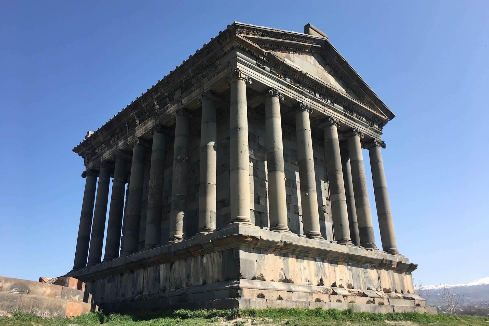 De heidense Tempel van Garni in Armenië