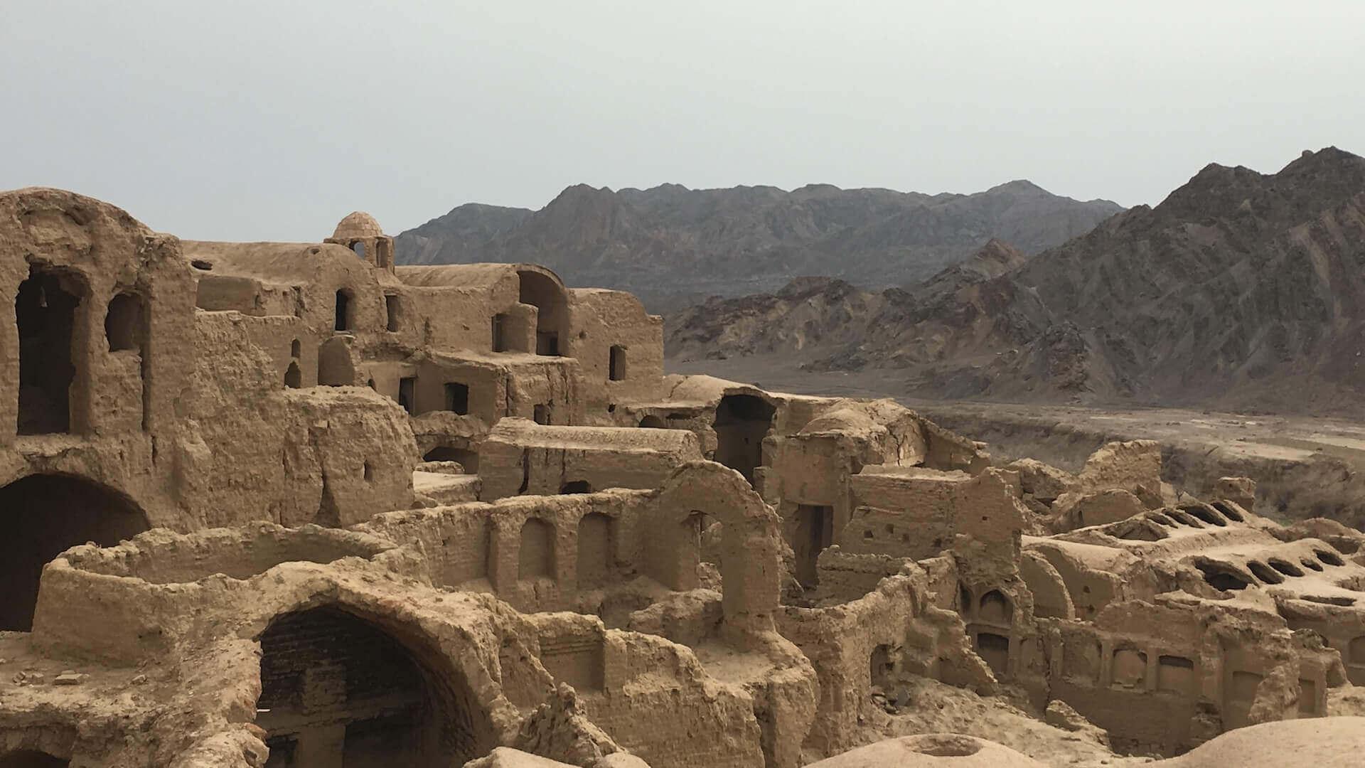 De oude stad van Kharanaq vlakbij Yazd in Iran
