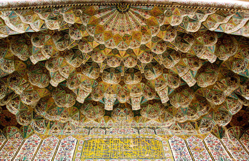 Plafond van de Vakilmoskee in Shiraz