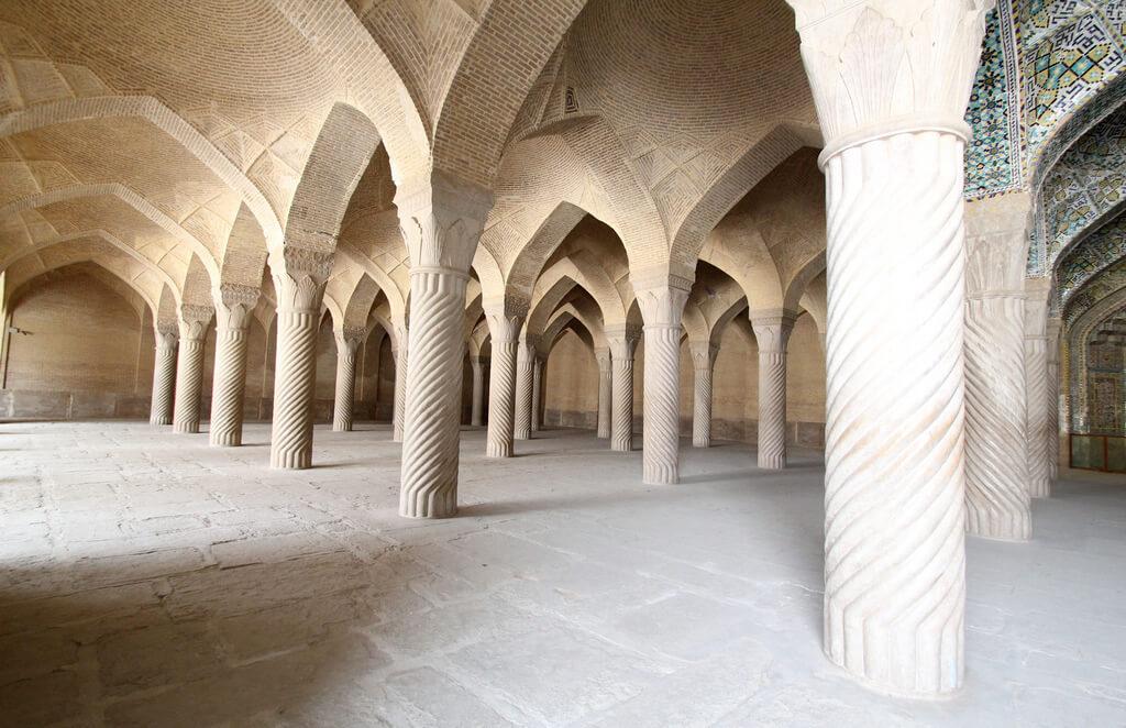 Pilaren in de Vakilmoskee van Shiraz