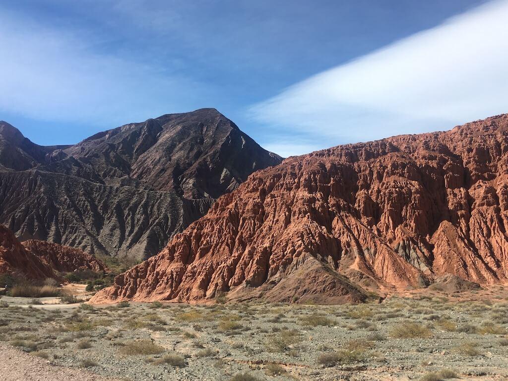 Bergen in verschillende kleuren bij Purmamarca