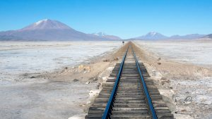 Trainrails en bergen in Bolivia