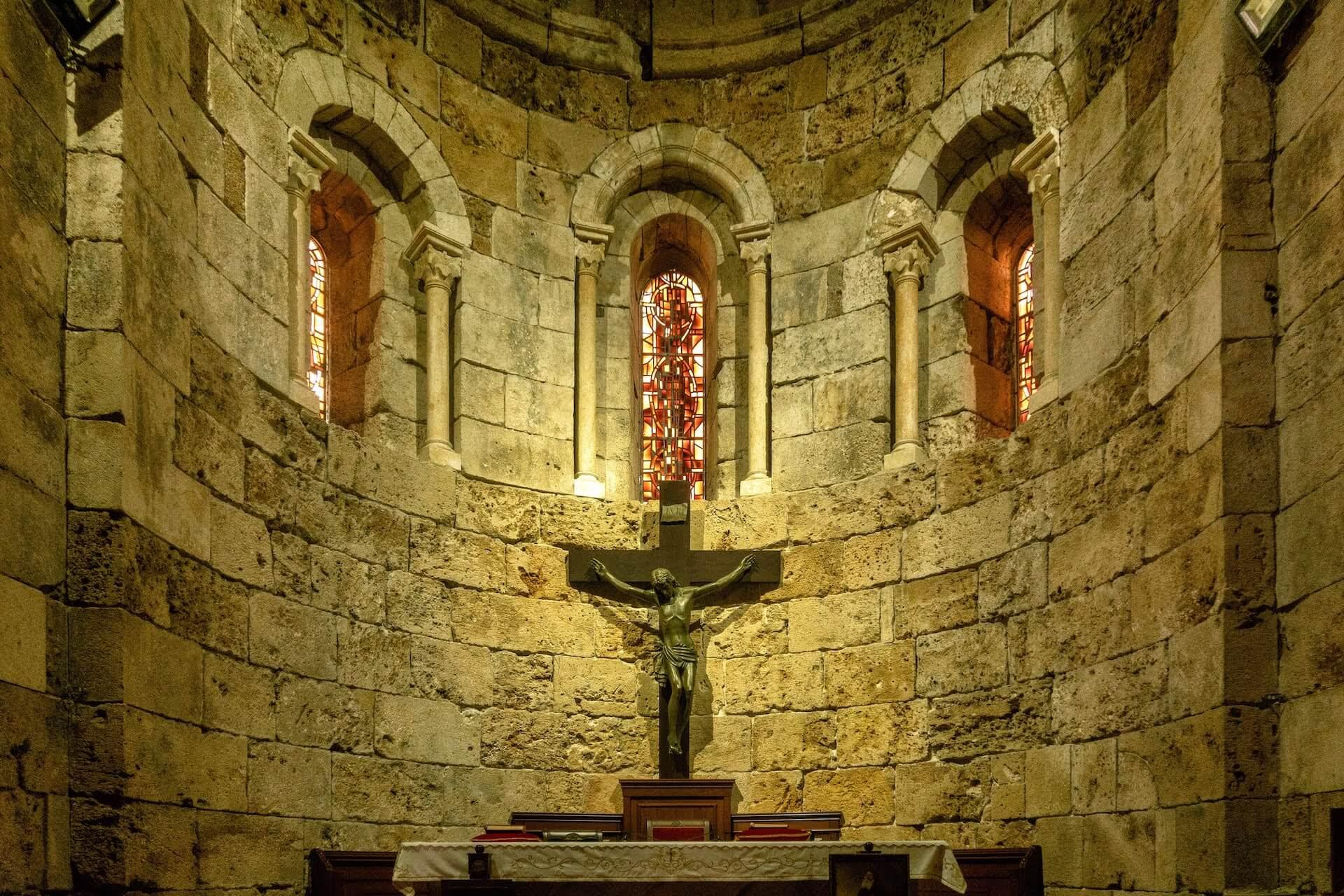 Altaar in een kerk in Byblos