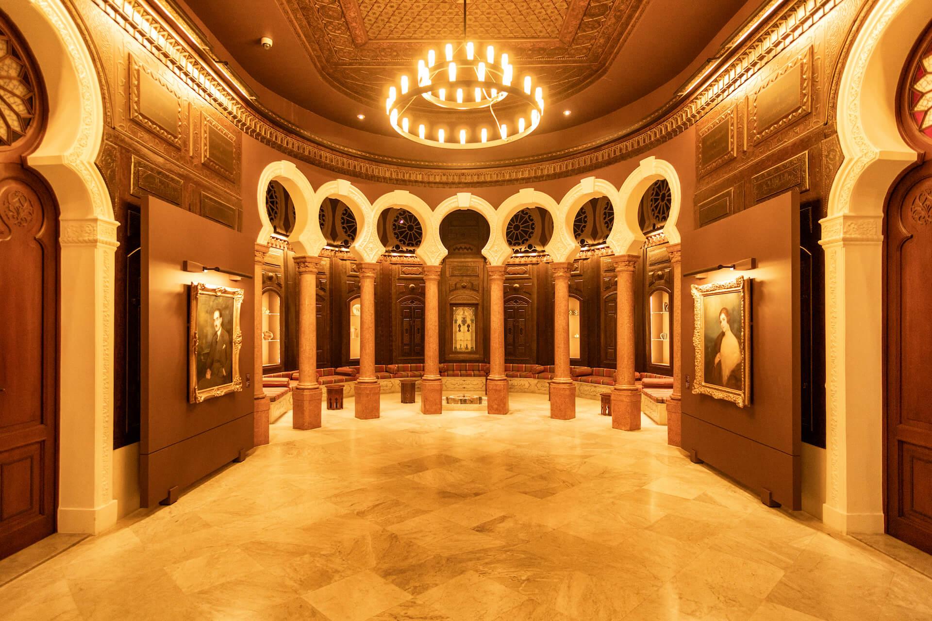 Zaal in het Nicolas Sursock museum in Beiroet