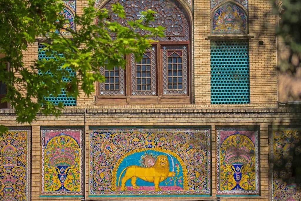 Tegels op het Golestan Paleis in Teheran