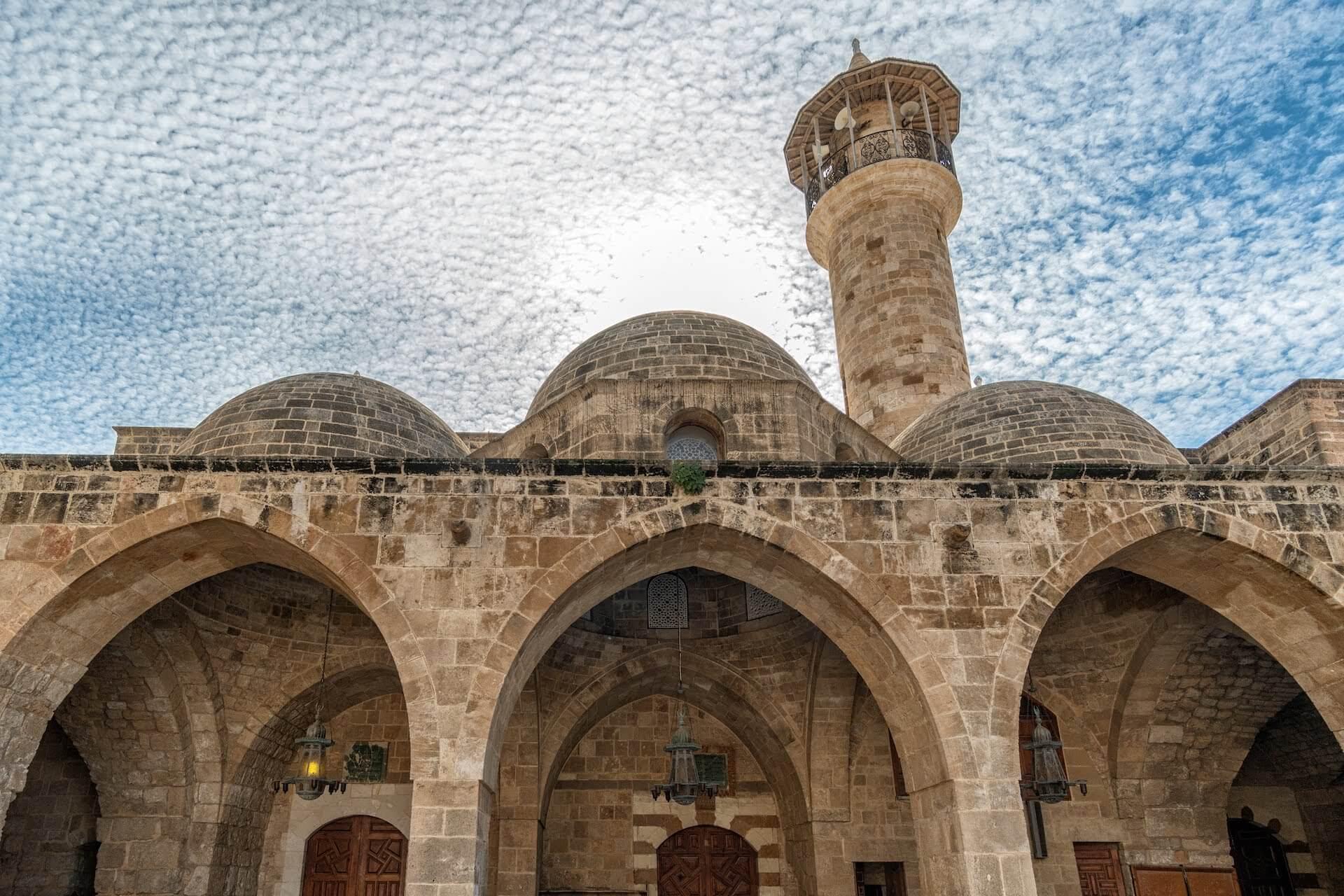Moskee en wolken in Sidon